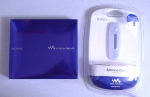 SONY ウォークマンEシリーズ 1GB/ブルー NW-E003/Lとシリコンケース